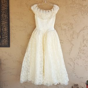 Vintage - 1950's Cream Lace Wedding Dress